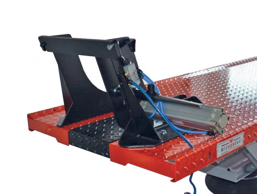 table elevatrice micheneau accessoires etau de roue pour trappe avant. Black Bedroom Furniture Sets. Home Design Ideas