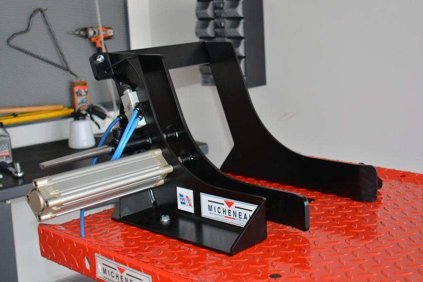 table elevatrice micheneau accessoires etau de roue. Black Bedroom Furniture Sets. Home Design Ideas